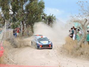 Rally auto derrape