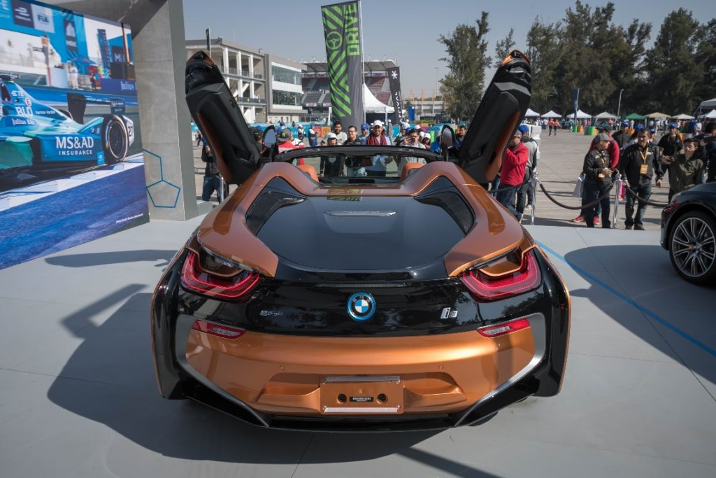 BMW i8 Roadster2