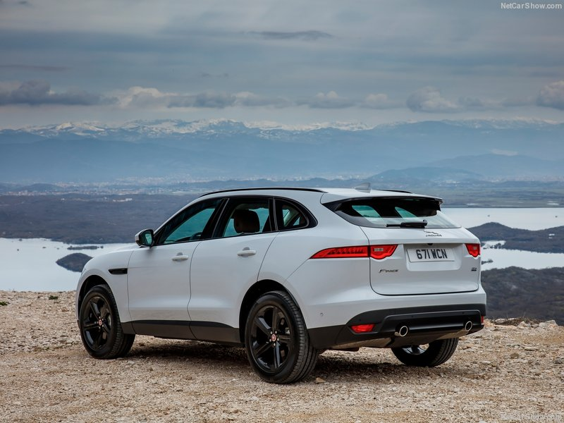 Jaguar-F-Pace-2017-800-5a